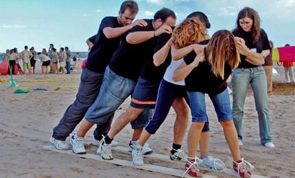 8 Fun Team-Building Ideas for Adults - Corporate Blazing Events